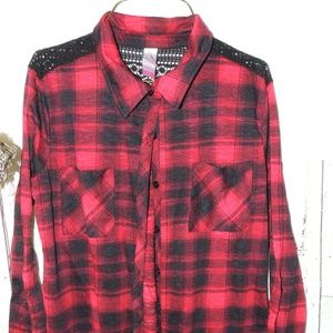 NO Bounderies buffalo plaid great for fall  11/13